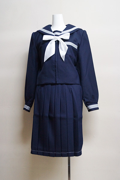 速星中学校 女子制服